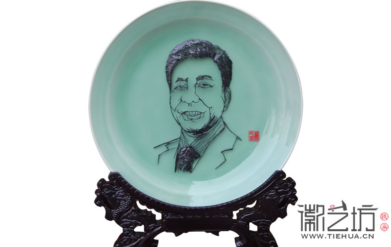 人物肖像铁画送领导 ——万达副总裁丁本锡人物肖像铁画定制案例