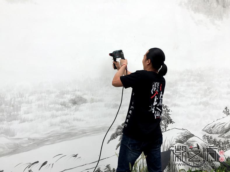 徽艺坊定制合肥明光路地铁站出口景观墙铁画 (24)