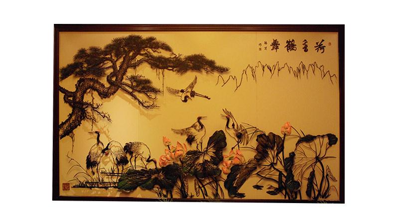 荷香鹤舞-李爱平设计铁画作品